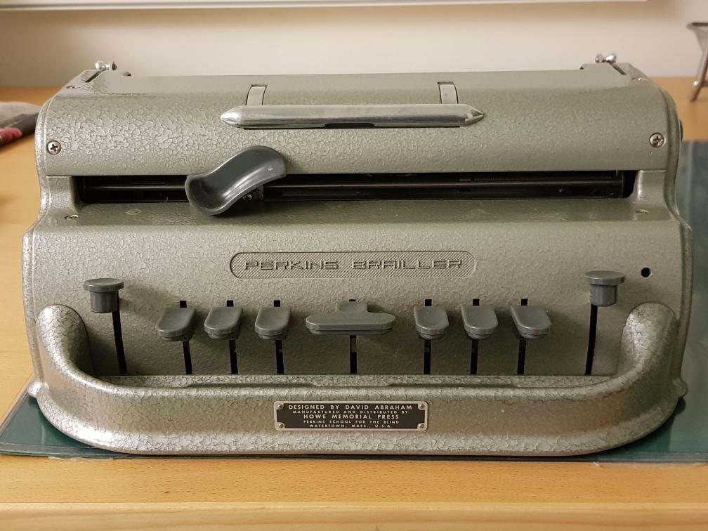 En grå manuell, Perkins punktskrivmaskin