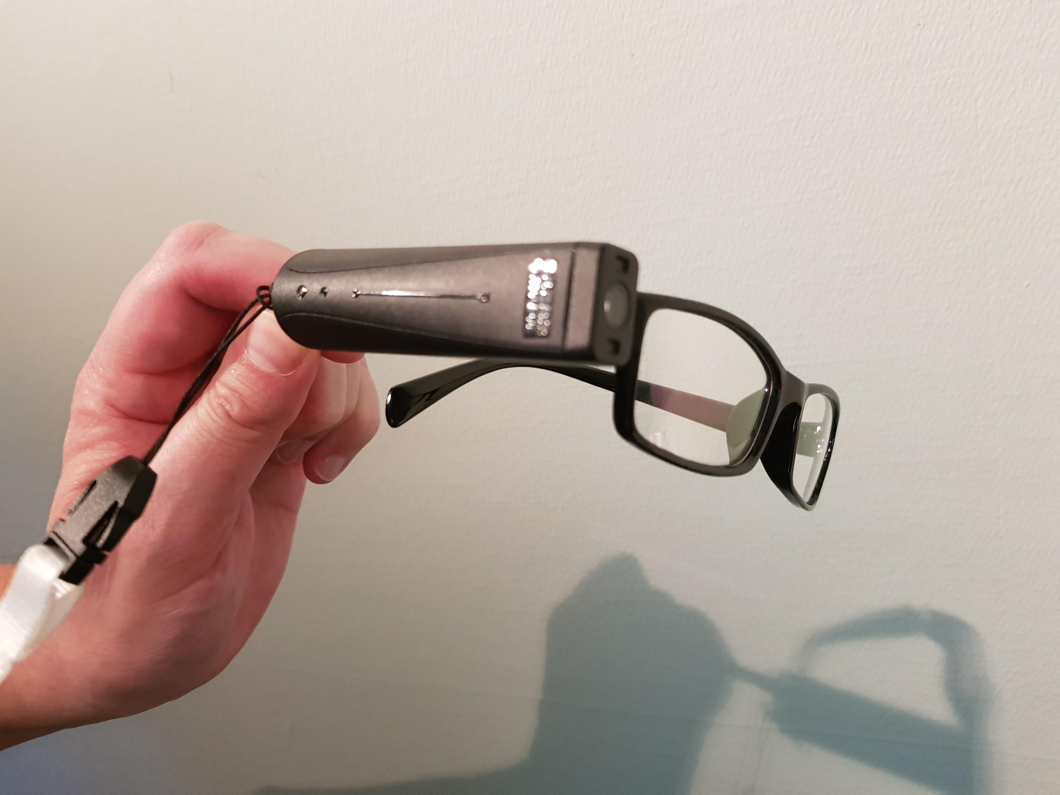 Kamera på glasögonbågen nytt synhjälpmedel