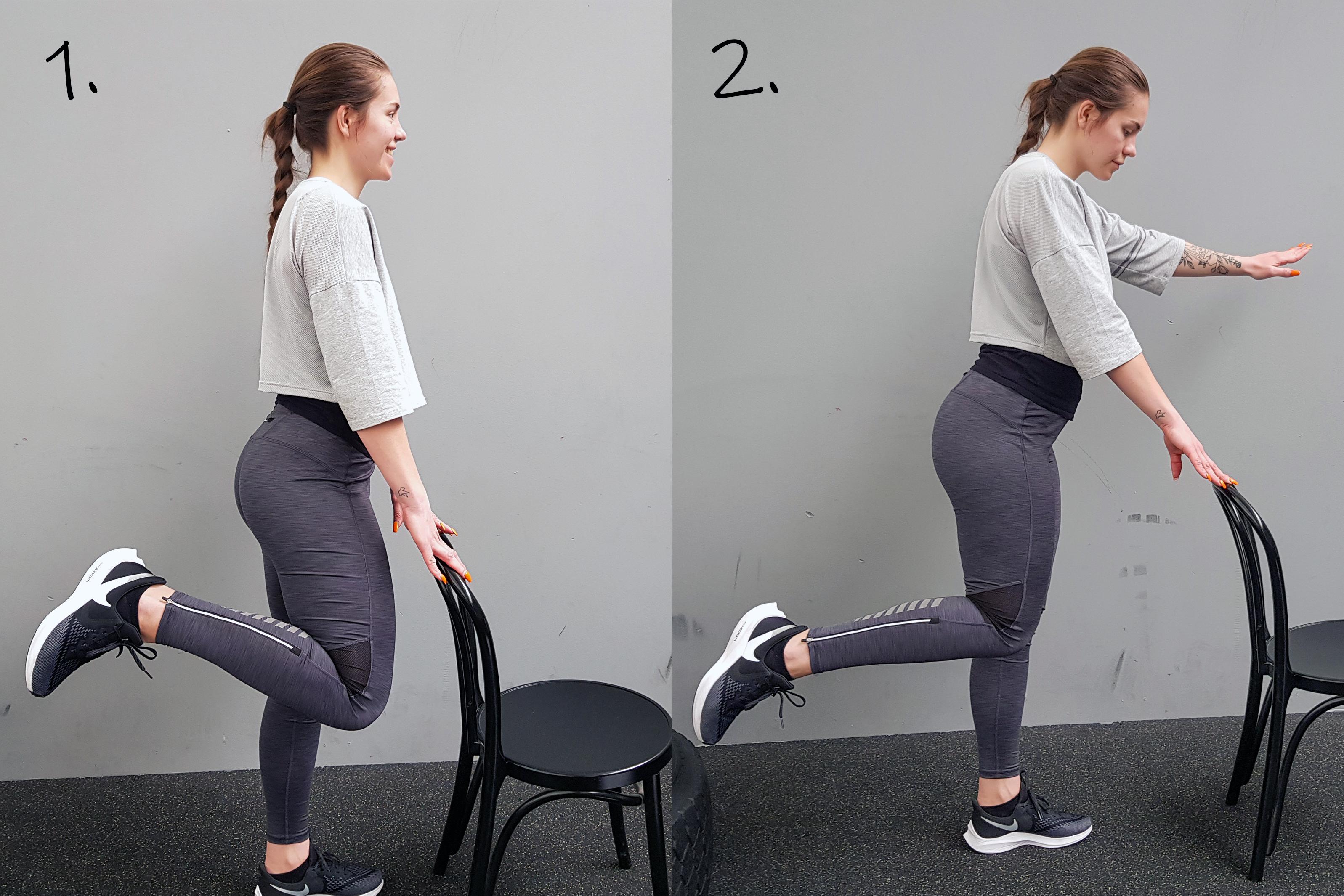 Ta hjälp av en stol när du övar balans. Släpp, höj ena armen och lyft ena foten bakåt samtidigt